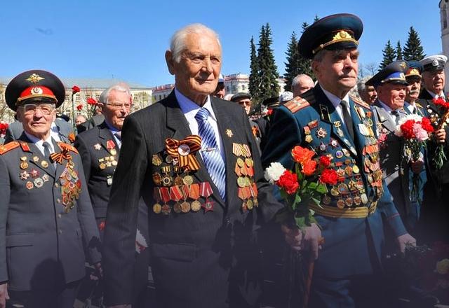 День победы всегда был и 9 мая мы отмечаем день победы в великой отечественной войне